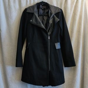 Giacca coat with leather accents